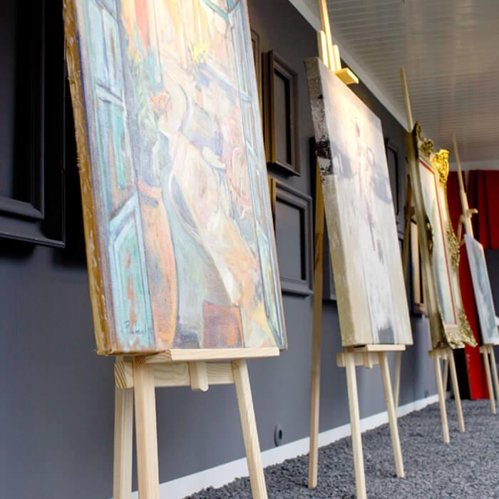Bildergalerie im Schaufenster der Kunstwerkstatt Weber